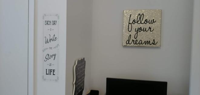 desk wall